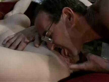 Bucetuda masturba no bidet