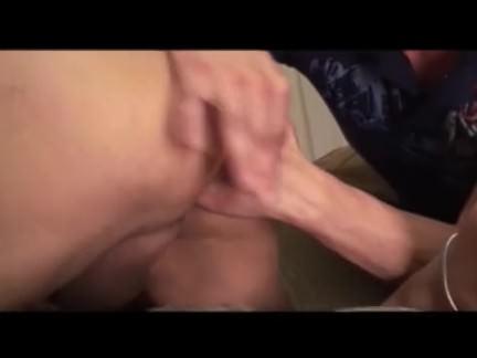 Duas vadias esfregando buceta