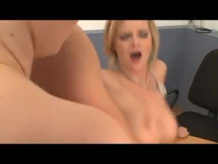 Enfermeiras bucetudas fudendo