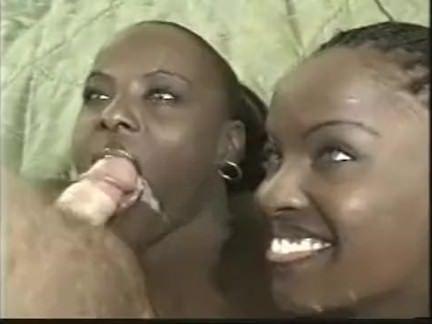 Fodendo duas mulatas gostosas
