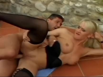 Loira piranha transando porno