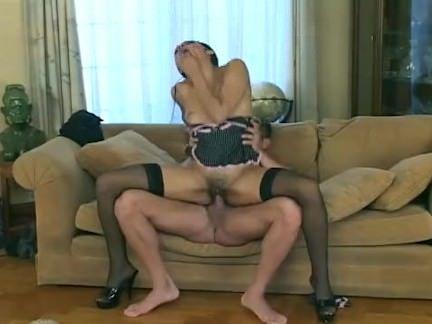 Morena alta no sexo oral