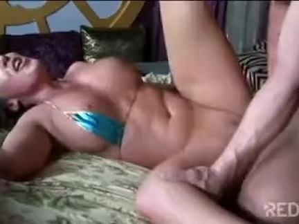Morena bronzeada