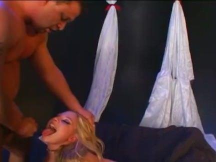 Morena fazendo boquete porno