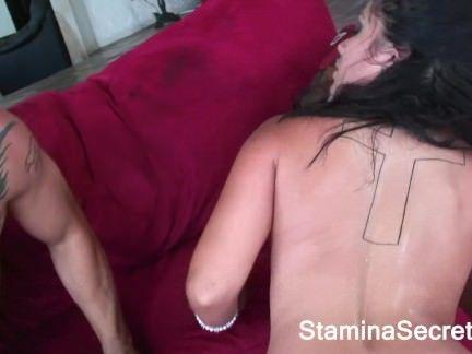Morena peituda dando show no sexo