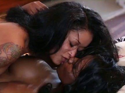 Mulatas fazendo sexo quente