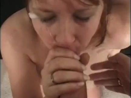 Potranca descendo o cu na vara