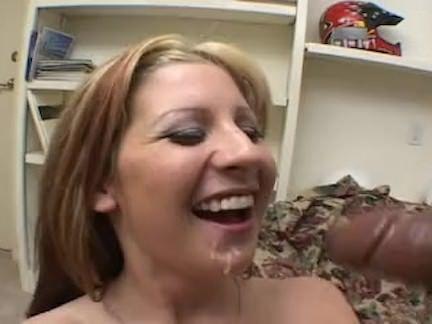 Sexo anal com a morena gostosa