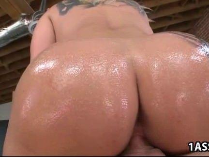 Sexo anal na tatuada