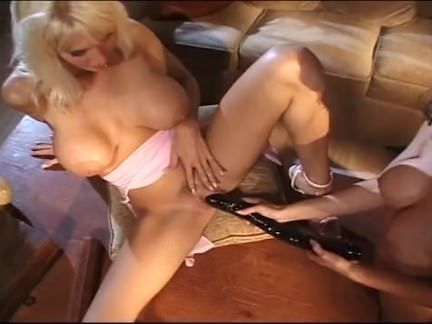 Sexo oral com bunduda loira