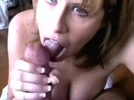 Sexo oral da gordinha ninfeta