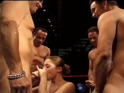 Vagabunda chupando o pau grosso porno