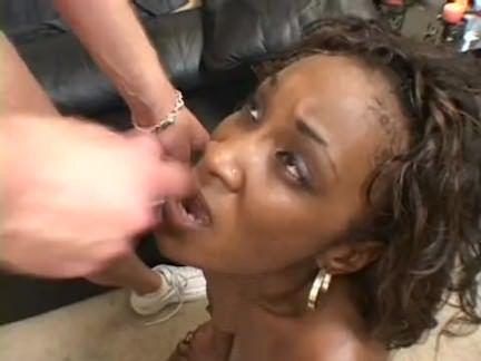 Vagabunda esfregando a xereca porno